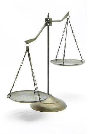 Waage als Symbol für Recht